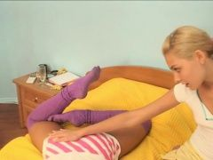 Baby in pantyhose shoves...