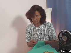 Customer fucks sewing old women