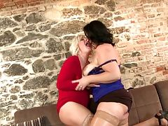 Mature queens moms sharing young...